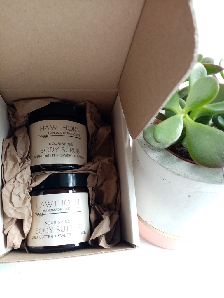 Body Gift Set: Body Butter + Body Scrub
