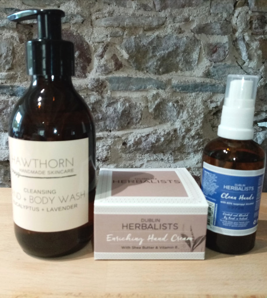 Care Package Hands No. 2 : Hand Sanitiser, Hand Cream 100ml & Lavender and Eucalyptus Handwash