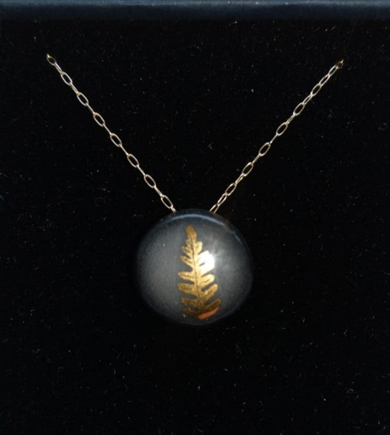 Gold Fern Necklace Black