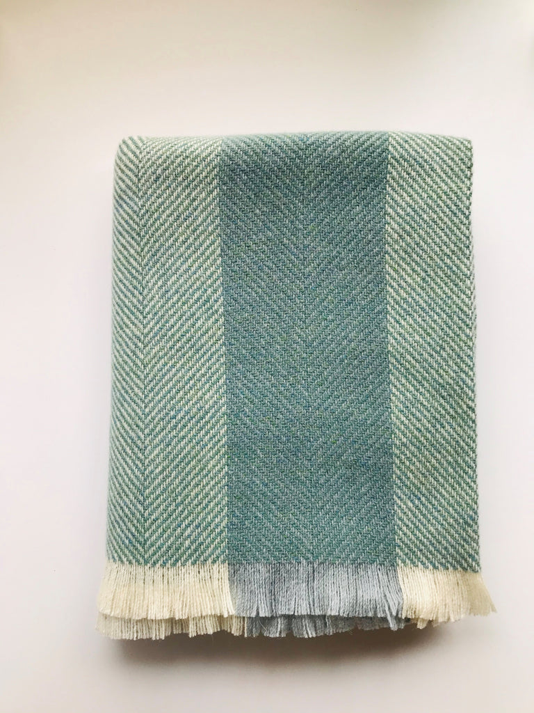 Corrán Throw - Irish Wool Sage