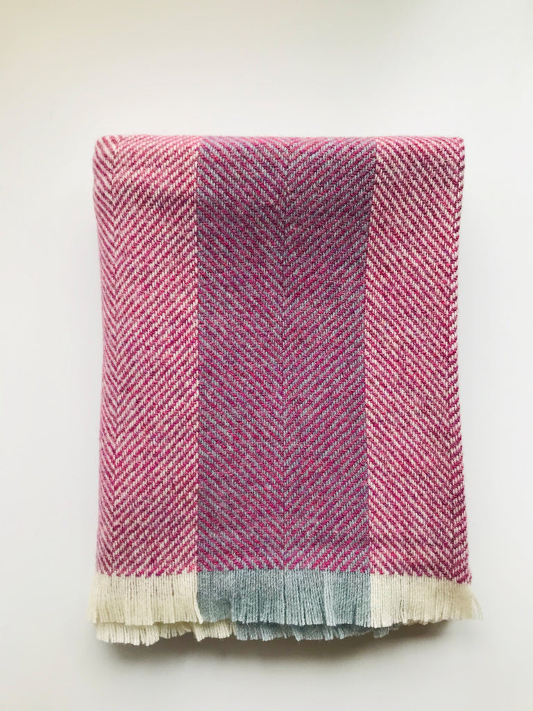 Corrán Throw - Irish Wool Pink Heather