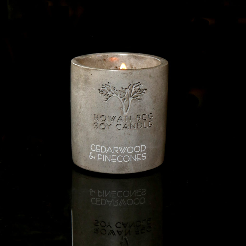 Urban Candle Cedarwood and Pinecones