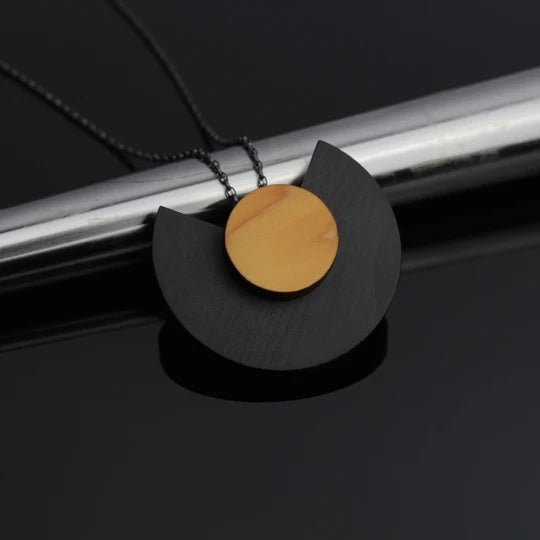Layer Pendant Cara Black