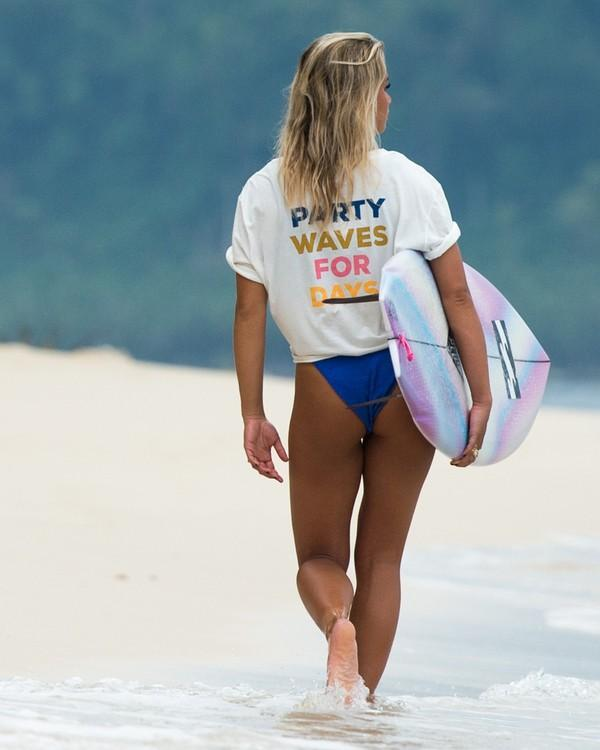 Party Waves Tee