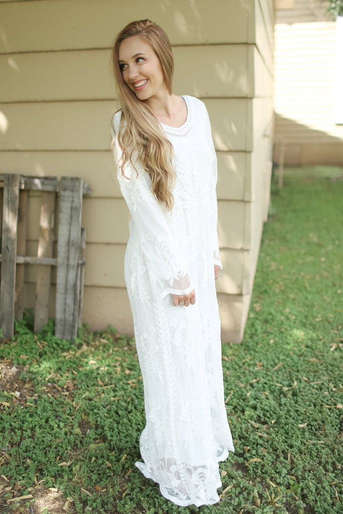 Taylin White Lace Maxi Dress