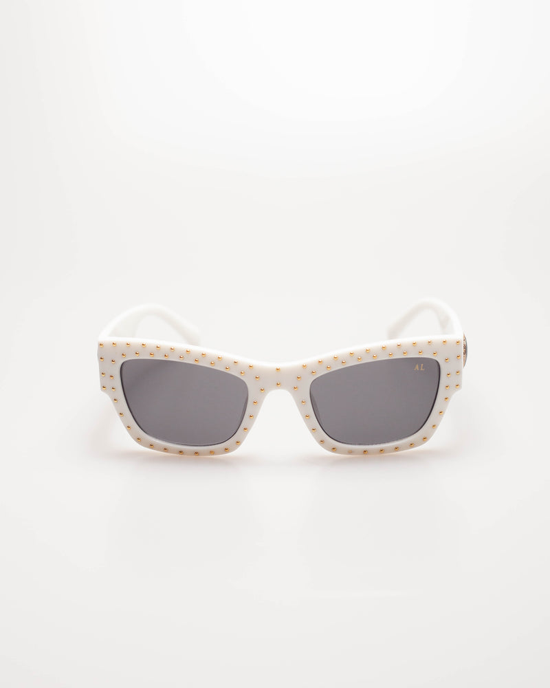 CETO · CREAM WHITE