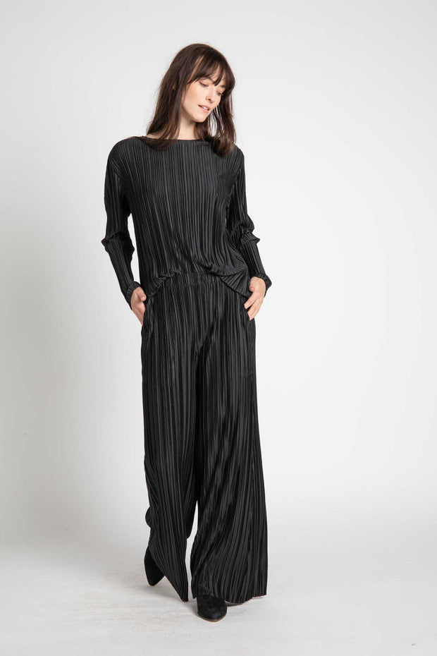 Black Farah Pleated Long Sleeve