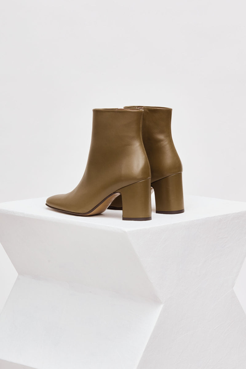 OCTUBRE - Khaki Leather Ankle Boots