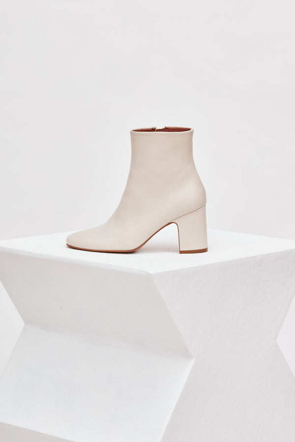 OCTUBRE - Off-White Leather Ankle Boots