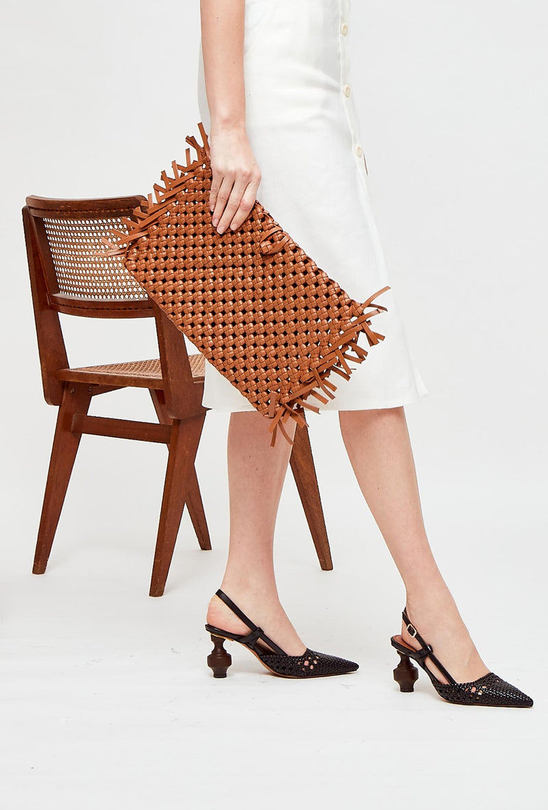 Tan Woven Leather Clutch Bag, model NUDOS, by French Designer Shoes brand Souliers Martinez