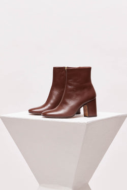 OCTUBRE - Chocolate Leather Ankle Boots