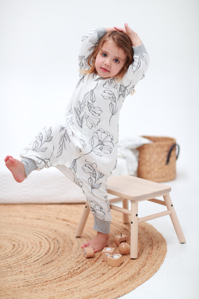 Sleeping Suit - Light Grey Lilies 0.6 TOG