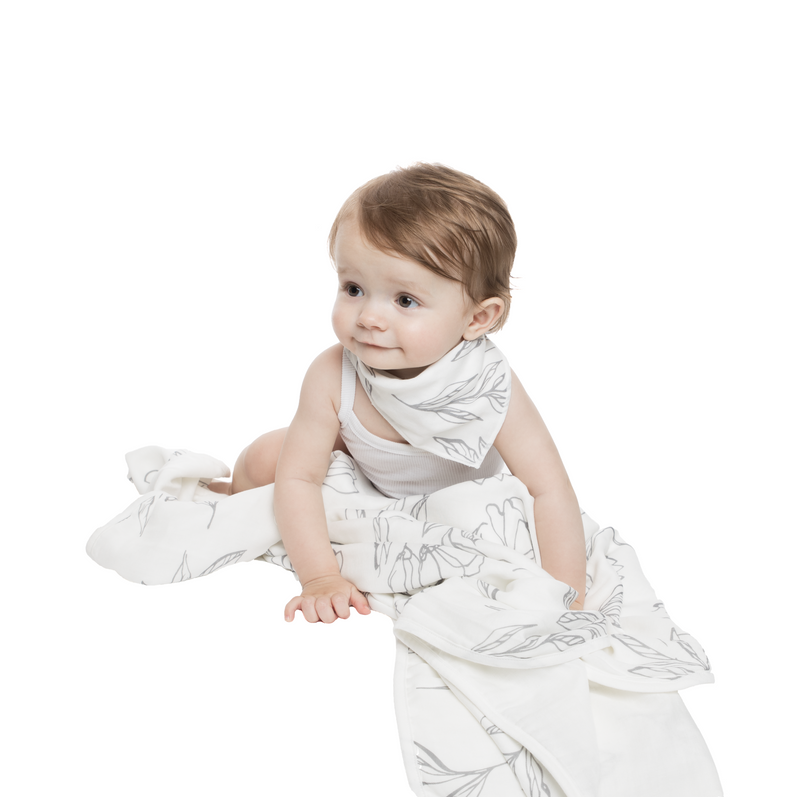 4 Layer Muslin Blanket - Light Grey Lilies