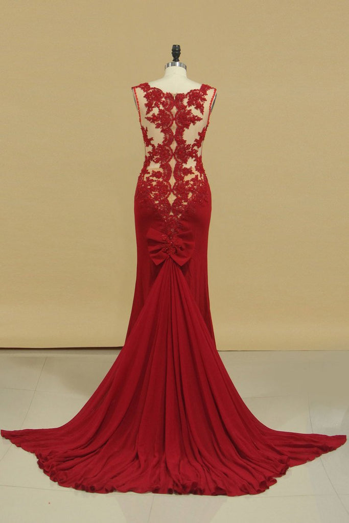 2019 V Neck Prom Dresses Sheath With Applique Court Train