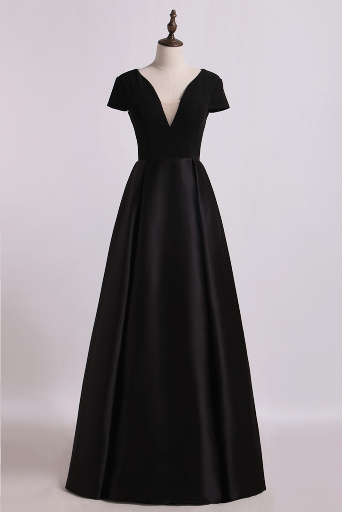2019 Open Back V-Neck Short Sleeve A-Line Satin Evening Dress Black Bodice Floor-Length