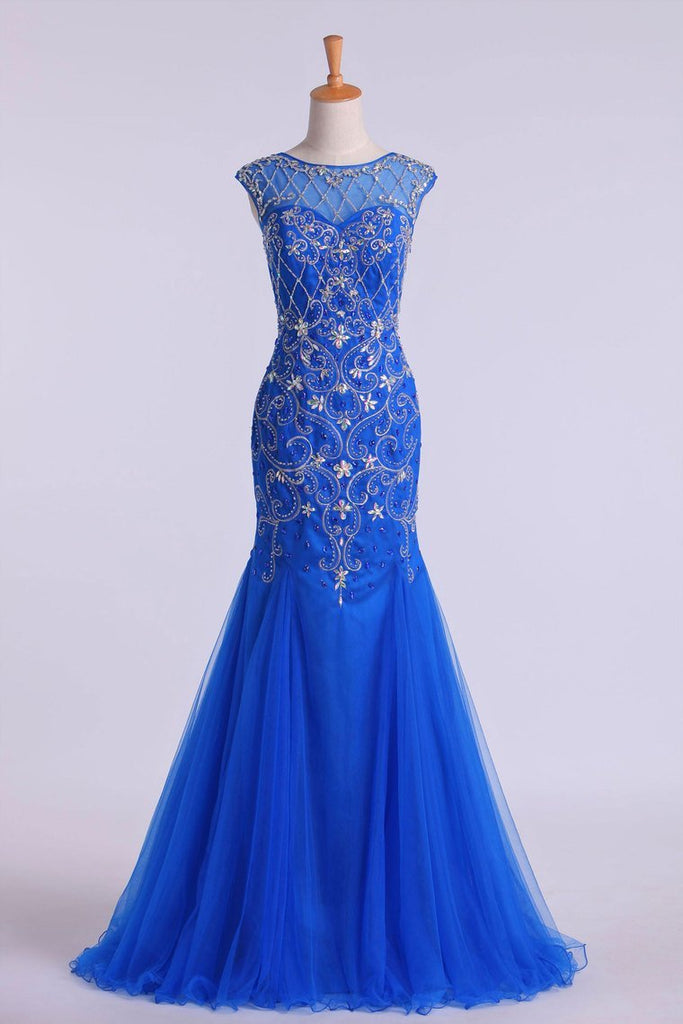 2019 Scoop Beaded And Fitted Bodice Trumpet Prom Dress