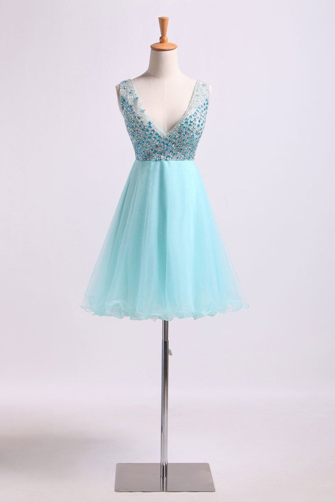 2019 V Neck Homecoming Dresses Beaded Bodice A Line Short/Mini Tulle And