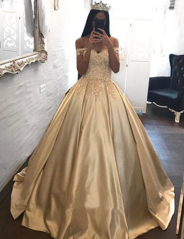 Ball Gown Champagne Gold Satin Quinceanera Dresses Appliques Lace Prom Dresses