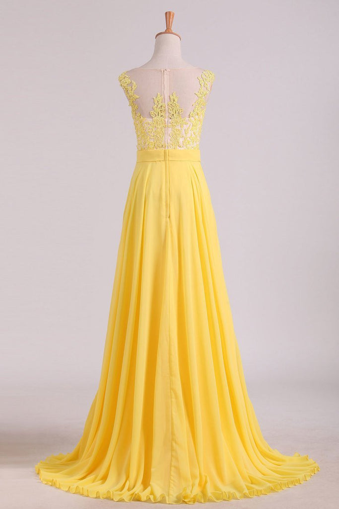 2019 A Line Scoop Cap Sleeves With Applique Prom Dresses Chiffon Floor Length
