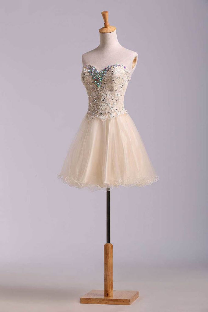 2019 Lovely Homecoming Dresses A Line Sweetheart Short Mini Color Champagne