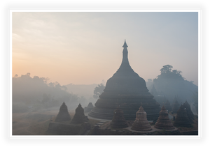 Kunstdruck - Fotokunst - Myanmar - Ancient Temple in the morning haze