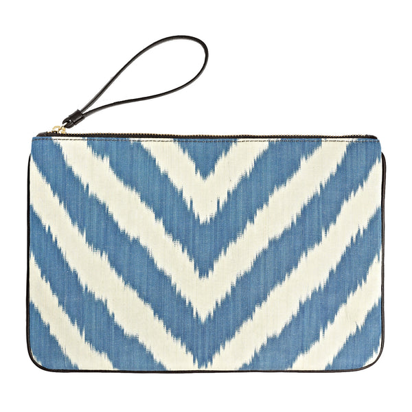 The Travel Clutch in Doria