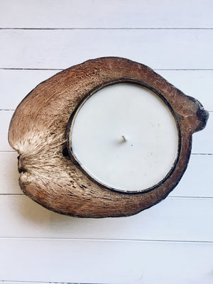 Black Salt Co - THE COCONUT CANDLE