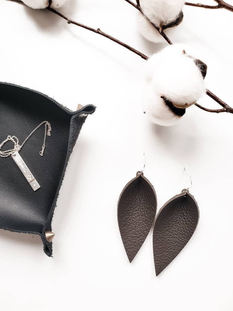 Pebble Brown Leather Leaf Earrings