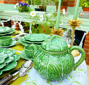 Cabbage Leaf Tea Set