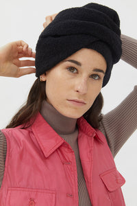 ATENA BLACK MOUSSE HAT