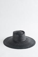 Load image into Gallery viewer, LUNARIA BLACK STRAW HAT