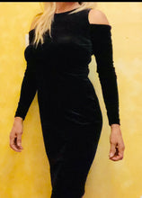 Load image into Gallery viewer, Women's Black Velvet Dress with Long Sleeves