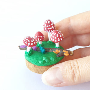 Mushroom miniature forest fungi sculpture - red tops