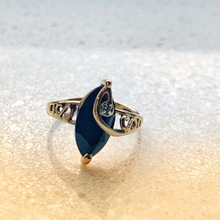 Load image into Gallery viewer, Jewel Thierry Obsidian and Diamond 10K Gold Vintage Ring