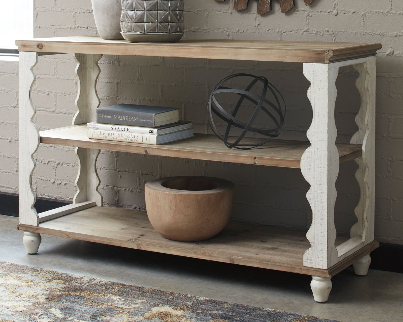 Alwyndale Signature Design by Ashley Sofa Table image