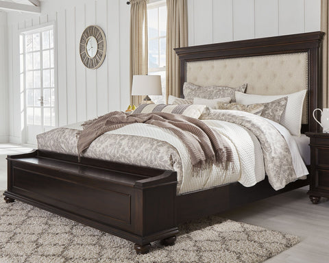 Brynhurst Signature Design by Ashley Bed with Storage Bench