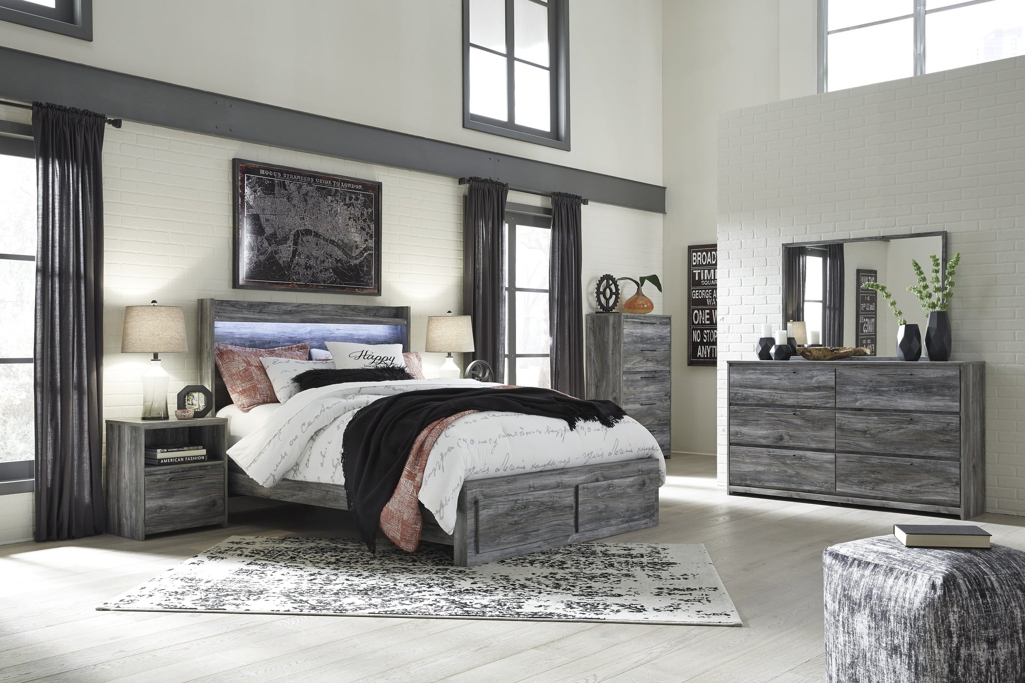 Baystorm Signature Design 5-Piece Bedroom Set with 2 Storage Drawers image