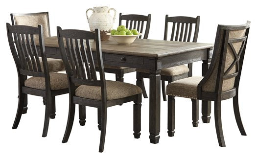 Tyler Creek Signature Design Dining Table 7-Piece Dining Room Package