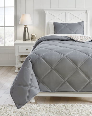 Rhey Signature Design by Ashley Comforter Set Twin