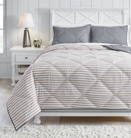 Rhey Signature Design by Ashley Comforter Set Full image