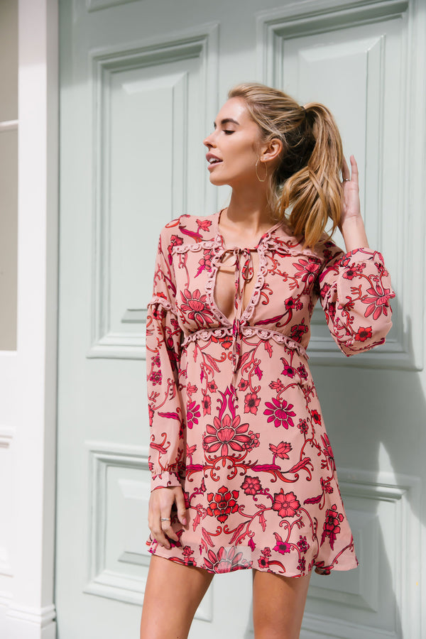 Styled in London Website, Styled in London Clothes, Styled in London Dress, Lace Dress, Plunge Neck Floral Skater Dress, Collar Collared Dress, Floral Tunic, Tassel