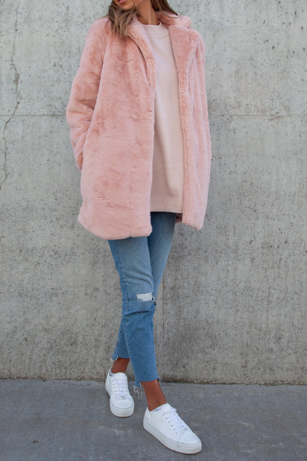 Ultra Soft Faux Fur Teddy Coat in Blush