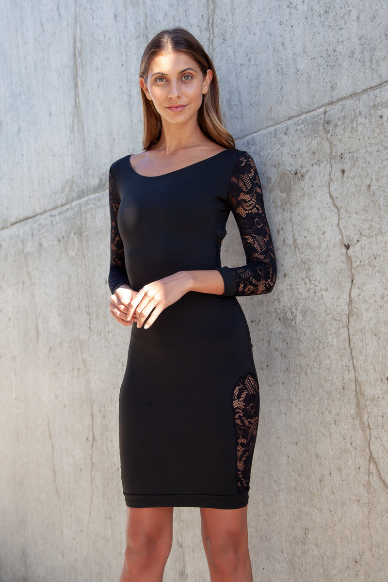 Quontum Black Lace Sleeve Backless Midi Dress