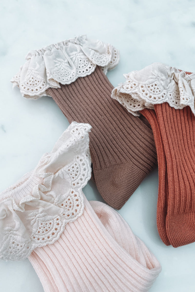 Broderie Frill Ribbed Socks (2 pack)