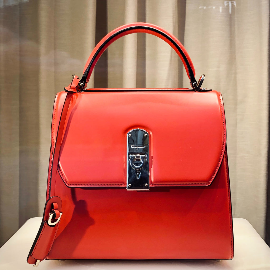 RED BAG FOR WOMAN