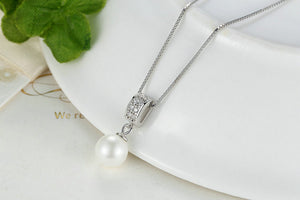 Drop pearl necklace with Zirconia