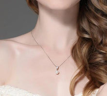 Load image into Gallery viewer, Drop pearl necklace with Zirconia on woman