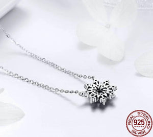 Snowflake silver necklace with cubic zirconia