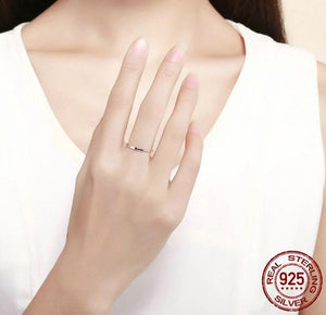Silver Simple Heart Ring on woman