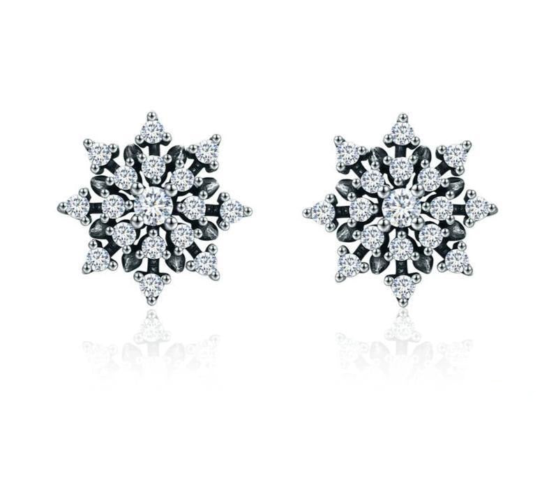 Snowflake silver earrings with cubic zirconia